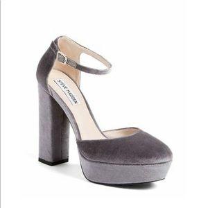 Steve Madden Gonzo Velvet Platform Heel Sandals